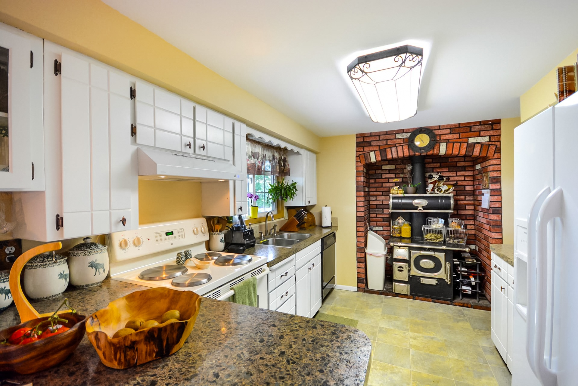 country-kitchen-1492641877uIa.jpg