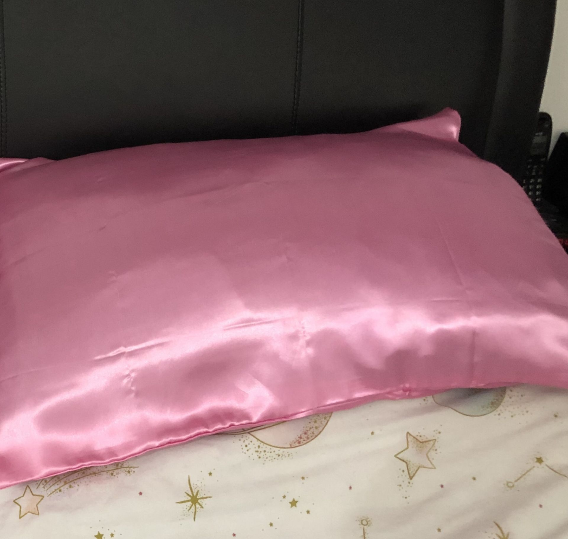 Can A Satin Pillowcase Really Help Your Skin And Hair